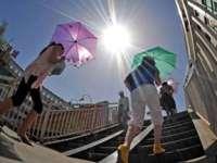 Ministerul Sănătăţii recomandă populaţiei să evite expunerea prelungită la soare