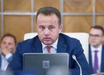 Ministrul Educaţiei - Niciun material auxiliar nu mai este valabil începând de astăzi