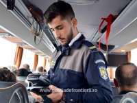 Minor în vârstă de 5 ani, ascuns de mamă sub bancheta unui microbuz pentru a ieşi ilegal din România