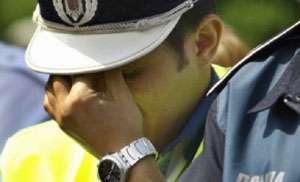 Minoră de 15 ani, violată de doi poliţişti