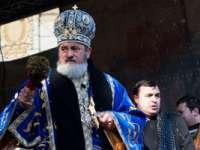 Mitropolitul Ardealului, deranjat de înghesuiala de Bobotează: E bine să avem râvnă, dar nici chiar așa