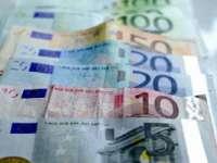 Moneda Euro s-a depreciat față de dolar, ajungând la cel mai redus nivel din decembrie 2005