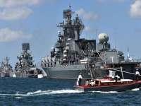 Moscova mobilizează nave de război lângă Crimeea. Kievul efectuează teste de rachete