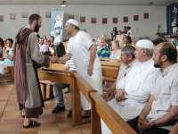 Musulmani din Franța și Italia au asistat la slujbă în biserici catolice, în semn de solidaritate după asasinarea preotului francez