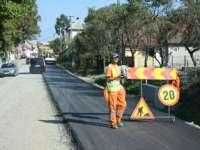 Nemulţumiri la Văleni şi Călineşti după turnarea primului strat de asfalt pe Baia-Sprie-Bârsana