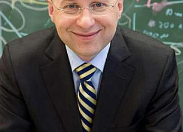 NOBEL 2014: Stefan W. Hell, născut în România, printre laureaţii premiului pentru chimie