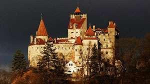 Nocturnele Castelului Bran, scena neconvențională pentru compania Procede Zebre din Franța