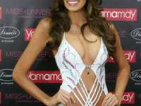 Noua Miss Univers, Gabriela Isler (Venezuela), a purtat un costum de baie de un milion de dolari