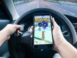 O femeie a fost ucisă de un șofer care vâna pokemoni la volan