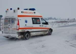 O gravidă a născut într-o autospecială a pompierilor, din cauza ninsorii