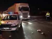 O polițistă a omorât o bătrână care traversa drumul regulamentar