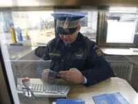 O româncă a încercat să iasă din țară cu o carte de identitate falsă prin PTF Petea
