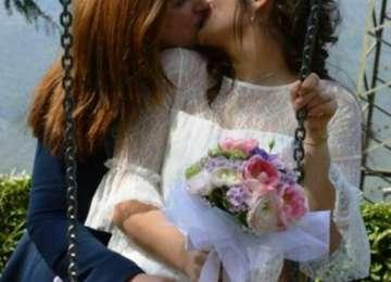 O româncă s-a căsătorit cu o italiancă la Brescia. Acestea au o fetiță împreună