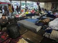 O tabără cu peste 1.500 de imigranți, evacuată la Paris