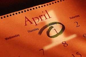 Obiceiuri, tradiţii şi superstiţii legate de 1 aprilie. Farsele se fac numai până la ora 12