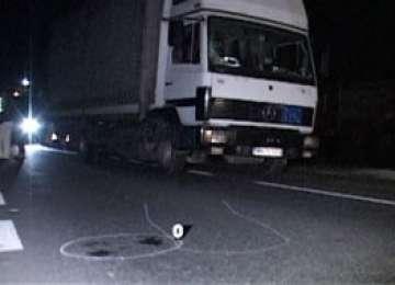 Şomcuta Mare: Pieton băut, accidentat grav de un autocamion