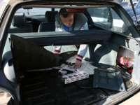 ONCEŞTI: 1.000 pachete cu ţigări de contrabandă confiscate de poliţişti