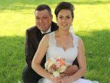 Păgubiți în noaptea nunții - Hoții i-au lăsat pe miri fără banii strânși chiar după petrecere