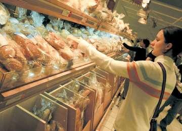Pâinea s-a scumpit deja în magazine