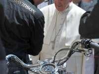 Papa Francisc şi-a scos la licitaţie motocicleta Harley Davidson