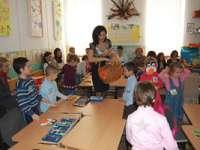 Părinții ai căror copii împlinesc 6 ani până la 31 august au obligația de a-i  înscrie în clasa pregătitoare