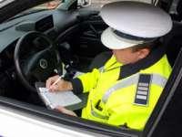 Participanţi la traficul rutier sancţionaţi de poliţişti cu amenzi în valoare de 16.000 de lei