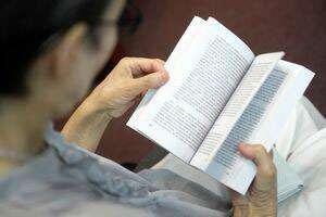 Pasionații de romane polițiste sunt invitați la Salonul de carte al MAI care începe miercuri