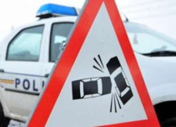 Patru autoturisme avariate și o persoană rănită ieri în urma unui accident la Baia Mare
