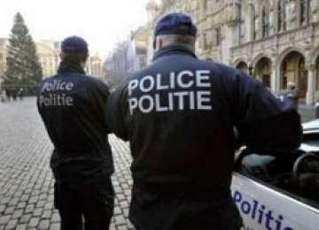 Patru copii români cu vârste între 12 şi 14 ani, răniţi într-un accident rutier în Belgia. Unul dintre ei conducea maşina