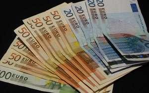 Patru dintre cei cinci maramureşeni reţinuţi în dosarul valutei falsificate sunt prezentaţi instantei