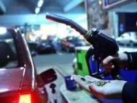 Pentru prima dată în ultimii 4 ani, benzina a scăzut sub 5 lei/litru