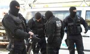 """PERCHEZIŢII - Contrabandişti """"ridicaţi"""" de mascaţi din zona """"Center"""" din Baia Mare"""