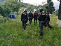 Percheziţii de AMPLOARE la BORSA - POLITISTII au confiscat muniție, trofee și stații emise-recepție
