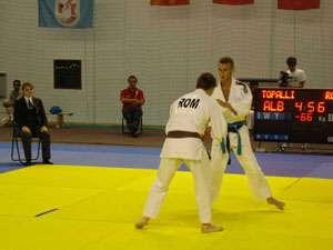 PERFORMANŢĂ: Trei poliţişti maramureşeni participă la Campionatul de Judo al M.A.I.