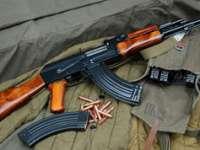 COD ROȘU - Cetățeni ucraineni prinși cu arme de foc în timp ce încercau să le introducă în România