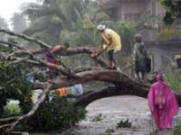 Peste 100 de morți în taifunul din Filipine