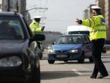 Peste 150 de sancţiuni contravenţionale aplicate de poliţiştii rutieri în acest weekend