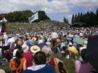 Peste 150.000 de pelerini catolici au asistat la slujba de Rusalii de la Şumuleu Mic
