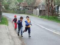 Peste 16% dintre copiii din mediul rural, între 7 și 10 ani, nu merg la școală