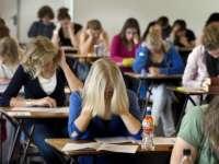 Peste 450.000 de elevi participă la simulările examenelor naționale