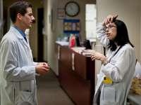 Peste 80% dintre tinerii medici spun că este posibil să emigreze