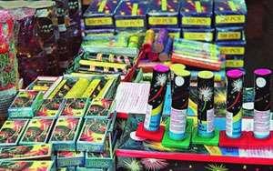 Petarde şi artificii deţinute ilegal, descoperite de poliţişti la Sighetu Marmaţiei