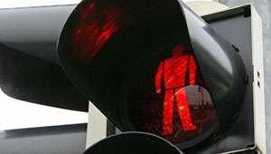 Pieton accidentat la Sighet în timp ce traversa strada pe culoarea roşu a semaforului