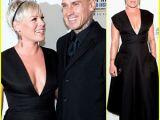 Pink răspunde criticilor răutăcioase privind greutatea sa corporală: