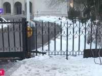 Poarta Guvernului, sudată peste noapte