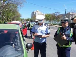 POLIŢIA: 40 permise de conducere suspendate în perioada 09 - 13 iulie, majoritatea pentru neacordare de prioritate pietonilor