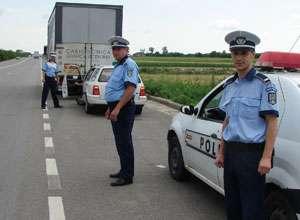 POLIŢIA: Amenzi de 30.000 de lei aplicate şi 11 infracţiuni rutiere constatate weekend - ul trecut