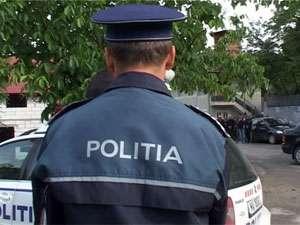 POLIŢIA: Bărbaţi prinşi în flagrant în timp ce încercau să sustragă componente de la cablul TV