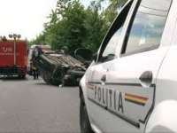 POLIŢIA: Două persoane transportate la spital în urma unui accident rutier