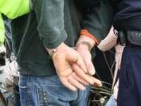 POLIŢIA: Percheziţie la domiciliul unui bărbat bănuit de comiterea unui furt